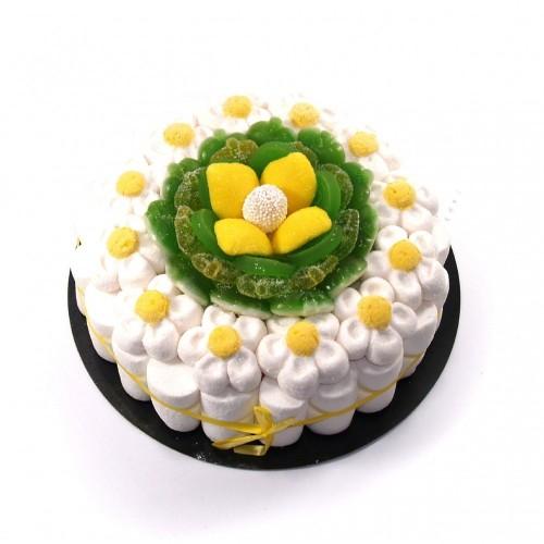Torta di caramelle con margherite gommose