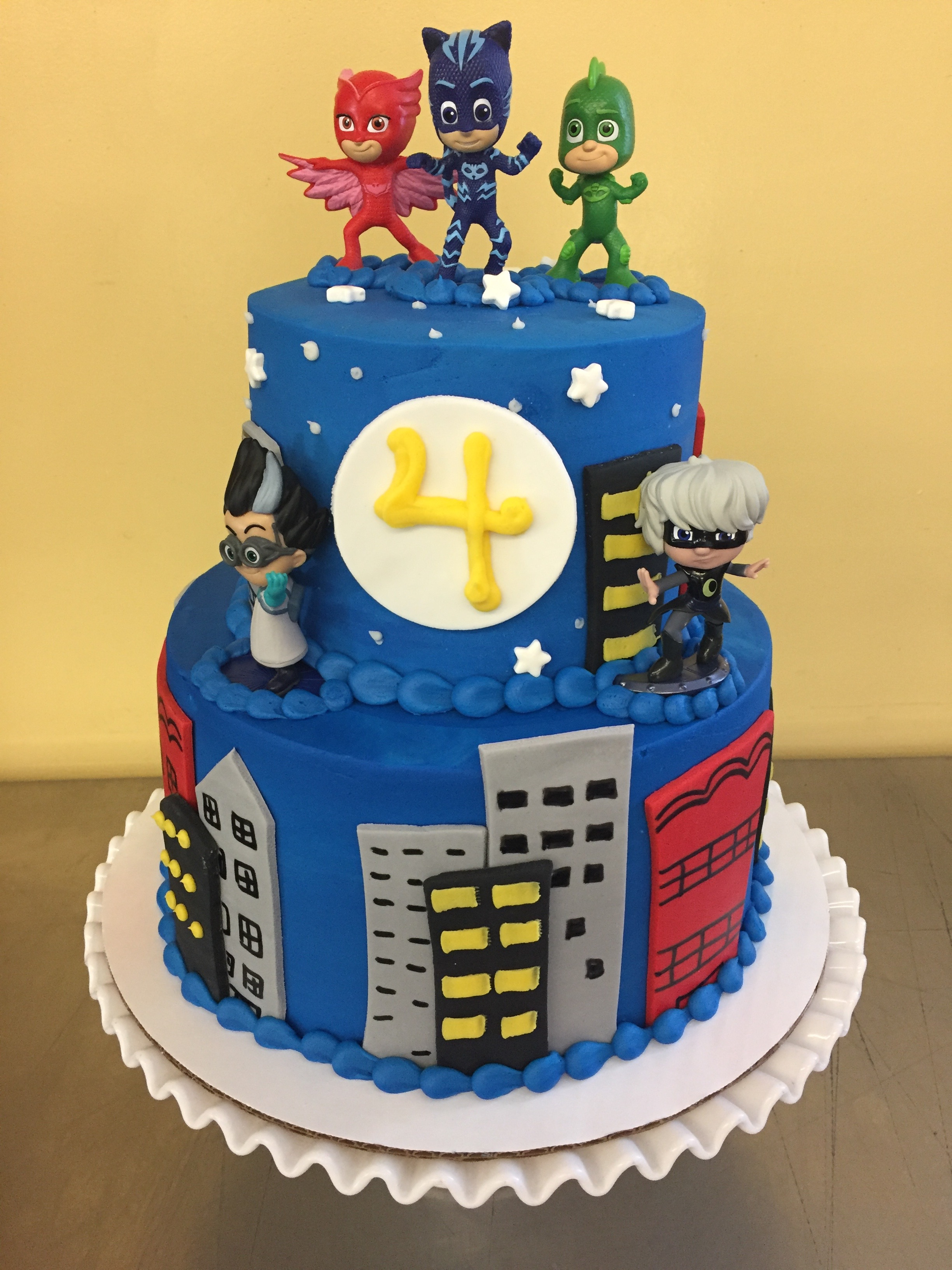 torta due piani Super Pigiamini